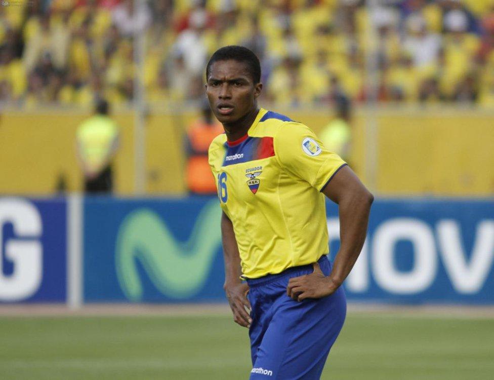 4. Antonio Valencia