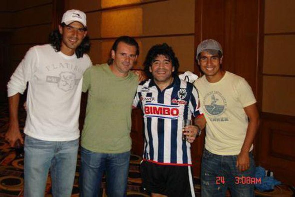 10 fotos inéditas de Maradona: Con Queen, Oasis y el América - AS USA